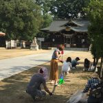 今年も稲荷神社のお掃除をしました